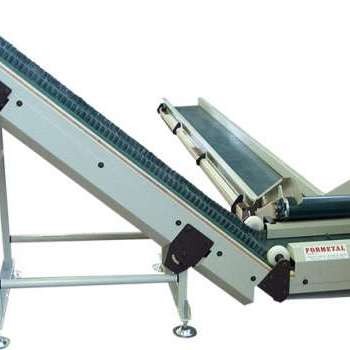 Waste and scraps belt conveyor